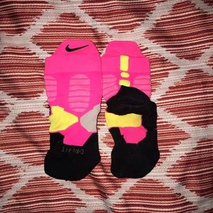 🌸 Nike • elite socks